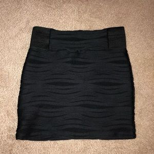 Zip-up black pencil skirt